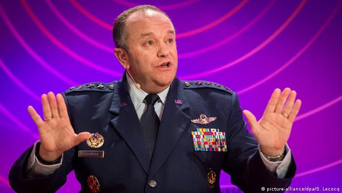 Главком силами НАТО в Европе Филип Бридлав