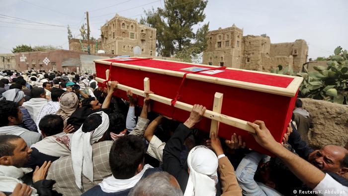 Jemen Begräbnis der Opfer des Selbstmordanschlags in Sanaa
