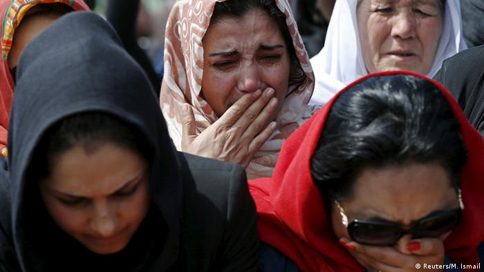 Afghan women's rights activists mourn during the burial ceremony of Farkhunda, an Afghan woman who was beaten to death and set alight on fire on Thursday, in Kabul March 22, 2015 (Photo: REUTERS/Mohammad Ismail)