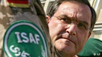 Verteidigungsminister Franz Josef Jung in Afghanistan