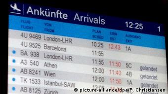 Germanwings Airbus A320 abgestürzt Anzeigetafel Flughafen Düsseldorf