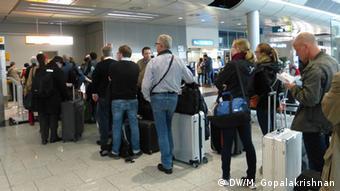 Очередь в аэропорту Дюссельдорфа перед стойкой регистрации Germanwings