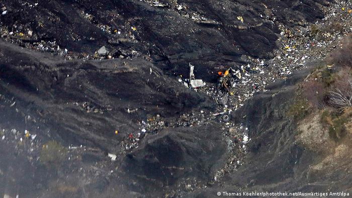Frankreich Seyne-les-Alpe Germanwings Absturzstelle Trümmer