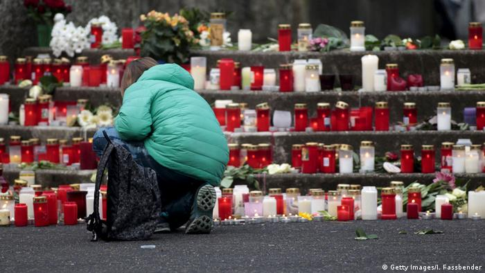 Memorial to school children on board crashed Germanwings flight