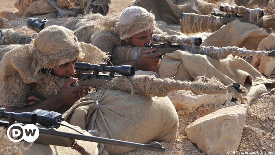 """السعودية تُعدم ثلاثة جنود بعد إدانتهم بـ""""التعاون مع العدو"""""""