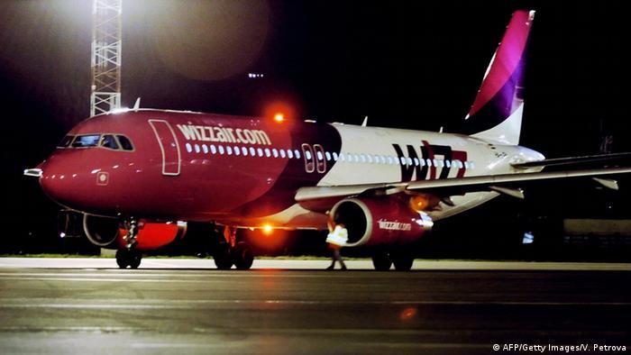 Flugzeug der Airline Wizz Air (AFP/Getty Images/V. Petrova)