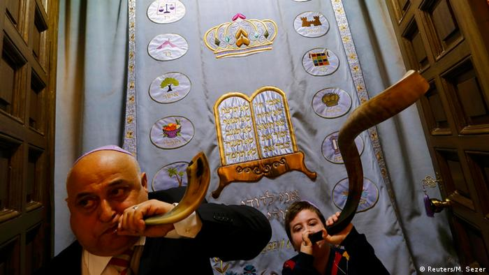 Türkei Synagoge Wiedereröffnung (Reuters/M. Sezer)
