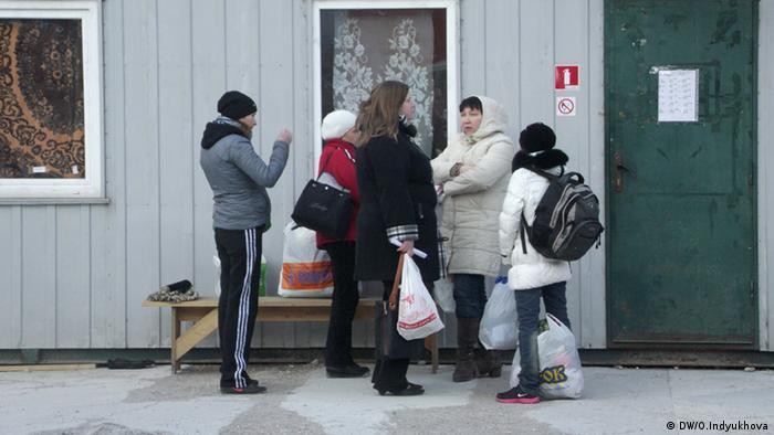 Очередь в медпункт в киевском центре помощи беженцам Каждый может помочь