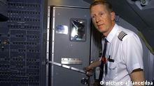 Symbolbild zu Cockpit geschlossene Tür