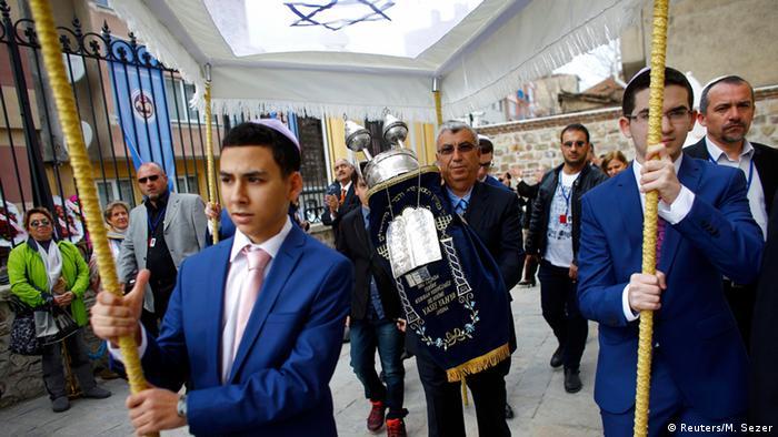 Rumlar, Ermeniler ve Yahudiler: Türkiye'de baskı görmüyoruz