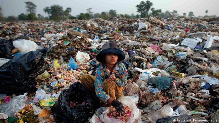 Kambodscha Bildergalerie Ein Leben im Müll (Reuters/A. Perawongmetha)
