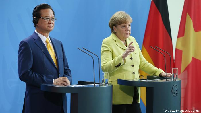 Angela Merkel and Nguyen Tan Dung in Berlin (Photo: Sean Gallup/Getty Images)