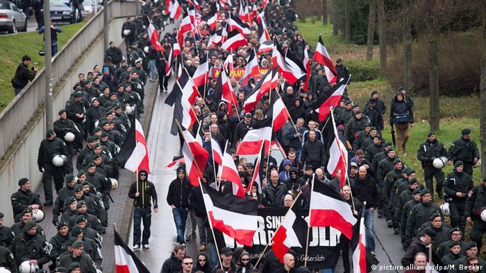 Демонстрация правых радикалов в Дортмунде