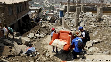 Erdrutsch nach schweren Unwettern in Peru