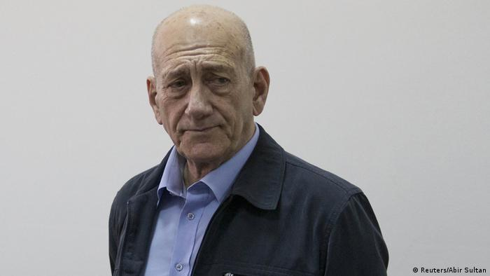 Der ehemalige israelische Regierungschef Ehud Olmert bei der Urteilsverkündung in einem Korruptionsprozess in Jerusalem (Foto: REUTERS/Abir Sultan/Pool)