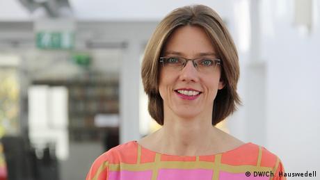 Julia Elvers-Guyot