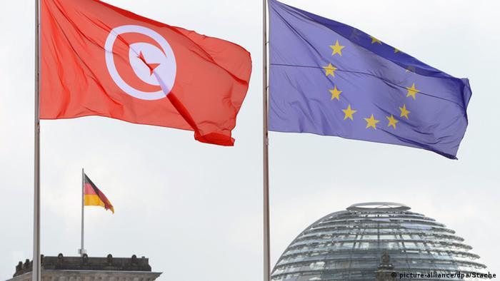 Symbolbild Fahnen Tunesien Europa Deutschland