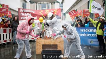 Протест проти фрекінгу у Берліні