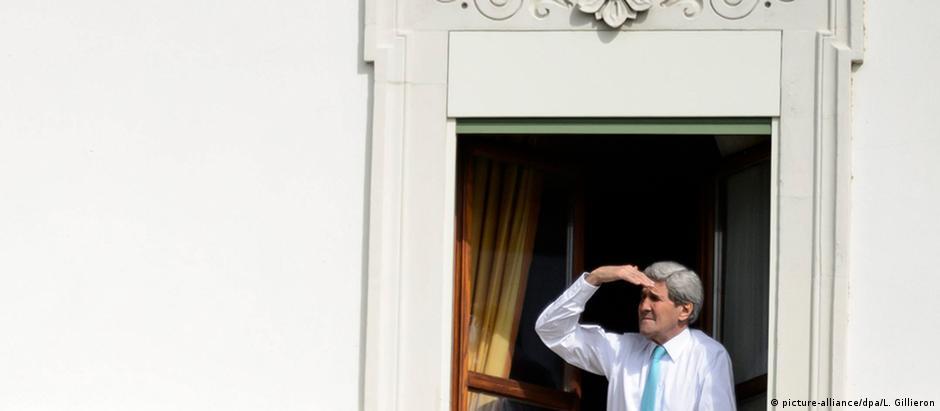 Secretário de Estado dos EUA, John Kerry, em Lausanne: reuniões através da madrugada