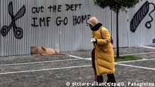 Griechenland Athen Rentner Graffiti Anti IWF