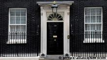 The home and office of the prime minister of the United Kingdom at 10 Downing Street (picture-alliance/Newscom)