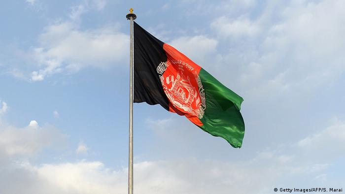 Symbolbild - Fahne Afghanistan (Getty Images/AFP/S. Marai)