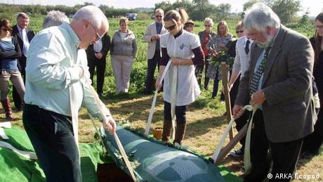 ARKA Ecopod at an eco-funeral