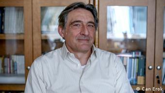 Siyaset bilimci Ahmet İnsel