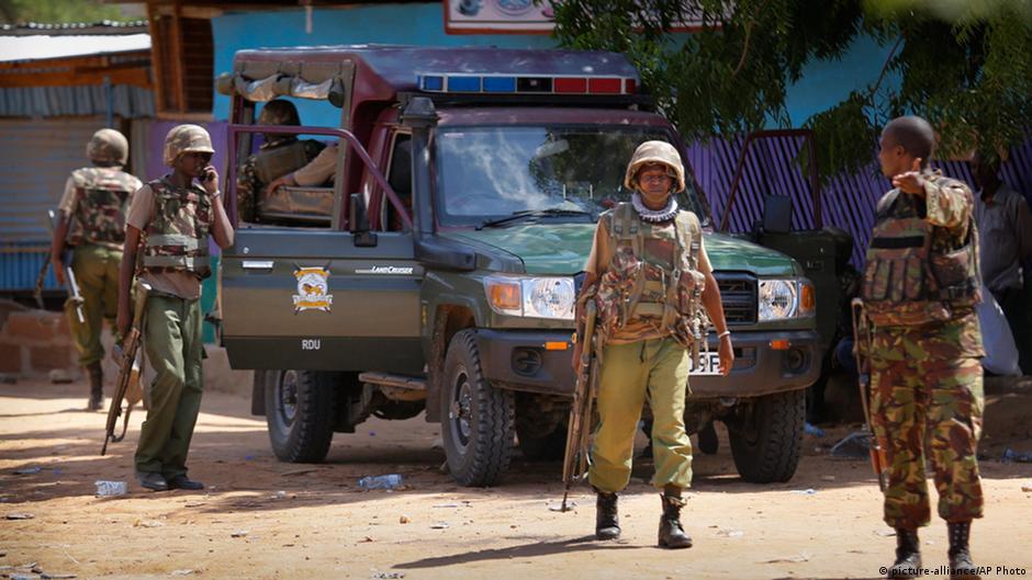 Ataque do Al Shabaab a universidade deixa ao menos 147 mortos no Quênia | DW | 02.04.2015