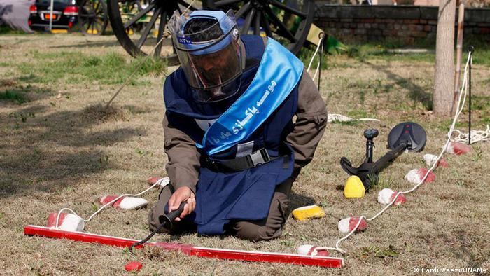 Afghanistan UNAMA Internationaler Tag der Minenaufklärung (Fardi Waezi/UNAMA)
