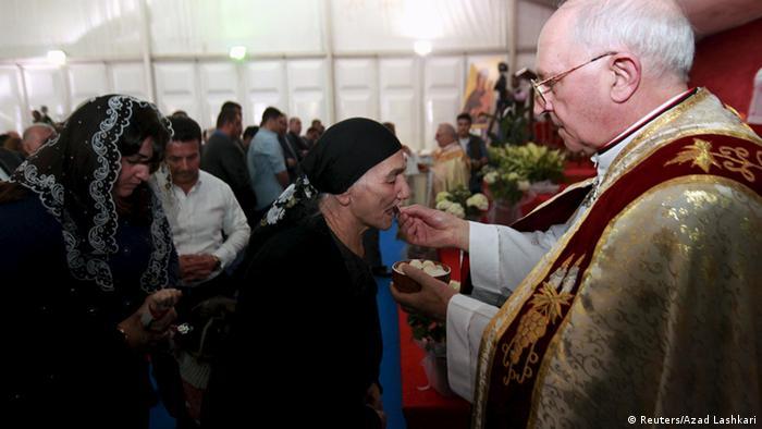 Papst Ostern 2015 Vatikan Kardinal Fernando Filoni (Reuters/Azad Lashkari)