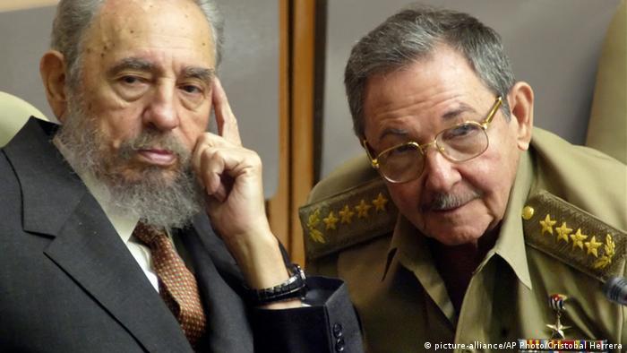 Fifel Castro y su hermano Raúl.