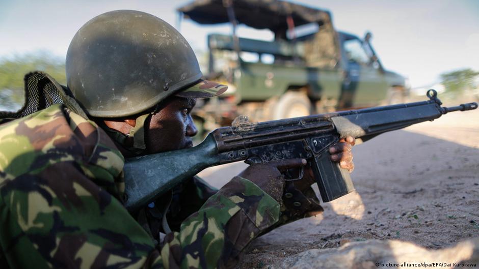 Ejército keniano bombardea bases de Al Shabab en Somalia | DW | 06.04.2015