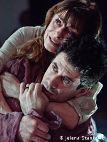 Proben einer albanisch-serbischen Theateraufführung in Belgrad Anita Mancic und Alban Ukaj