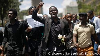 Kenyan students march in memory of those killed in Garissa
