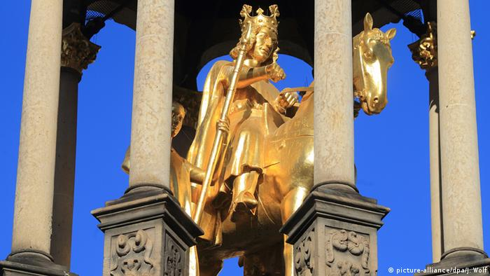 Golden equestrian statue of Magdeburg Rider, Germany (picture-alliance/dpa/J. Wolf)
