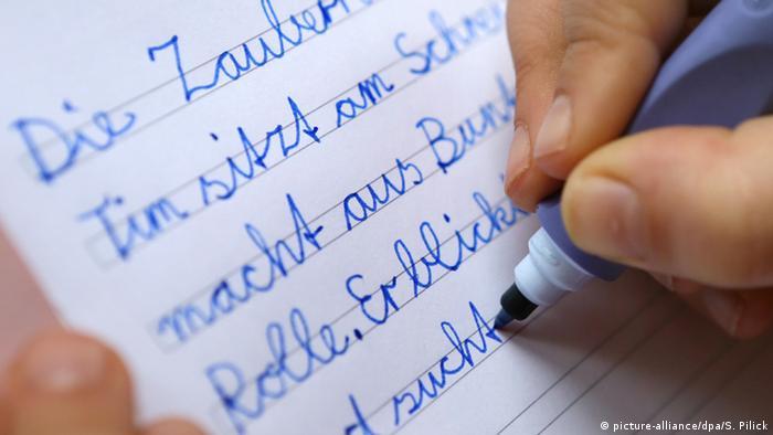 Занепад каліграфії: дедалі менше німецьких школярів опановують рукописний шрифт
