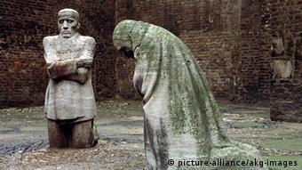 Bildergalerie Ruinen des Zweiten Weltkrieges - Alt St. Alban in Köln (picture-alliance/akg-images)