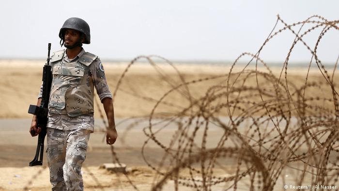 Saudi Arabien Jemen Krise Soldat an der Grenze