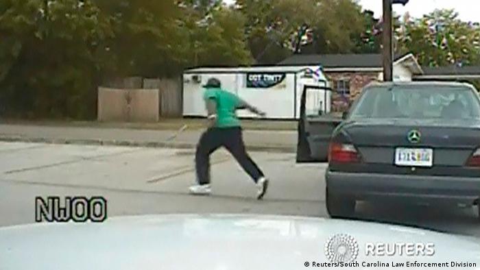 USA: Walter Scott läuft aus Auto (Foto: rtr)