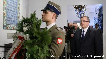 Vojnik s vijencem i poljski predsjednik