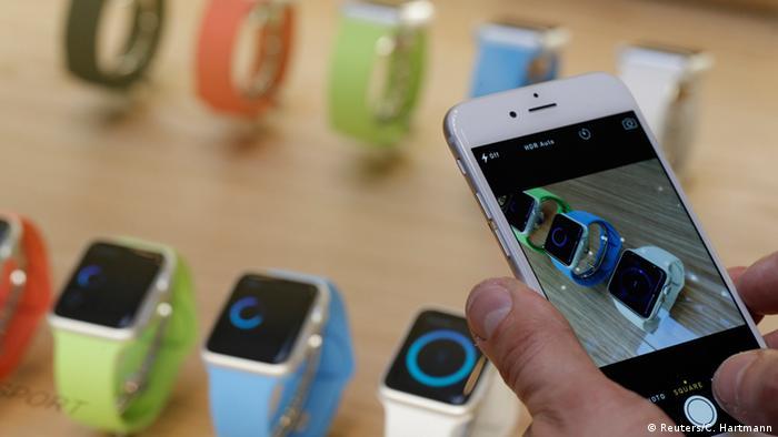 Apple Watch Smartwatch Paris (Reuters/C. Hartmann)