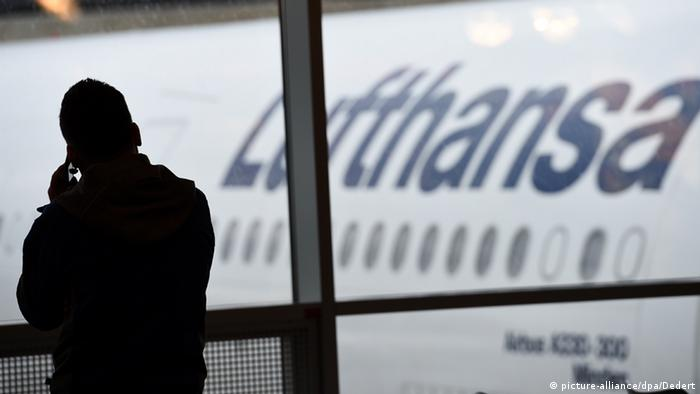 Symbolbild Cyber-Attacke Lufthansa (picture-alliance/dpa/Dedert)