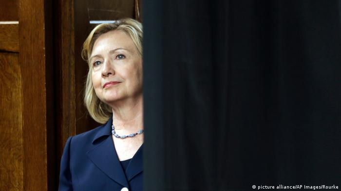 hillary clinton to make second white house bid news dw 12 04 2015