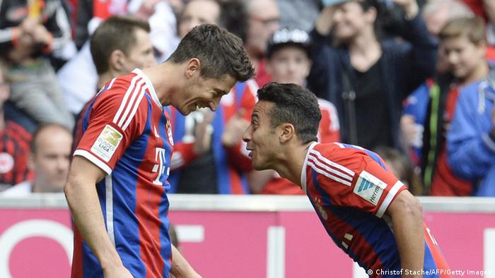Fussball Bundesliga FC Bayern München gegen Eintracht Frankfurt
