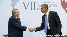 US-Präsident Obama und Präsident Raul Castro geben sich die Hand beim Amerika-Gipfel in Panama