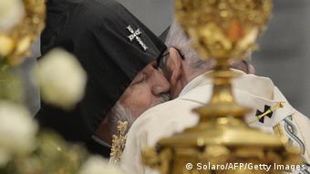 پاپ فرانسیس در مراسم یکصدمین سالگرد کشتار ارامنه این رویداد را نسلکشی خواند