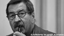 Bildunterschrift:Madrid, SPAIN: German Nobel prize-winning author Gunter Grass looks on during the presentation of his autobiography, 'Peeling Onions' in Madrid, 21 May 2007. Grass, who will soon turn 80, made headlines last year when he admitted he served in the notorious Nazi elite force, the Waffen SS, during World War II. AFP PHOTO/PEDRO ARMESTRE (Photo credit should read PEDRO ARMESTRE/AFP/Getty Images)