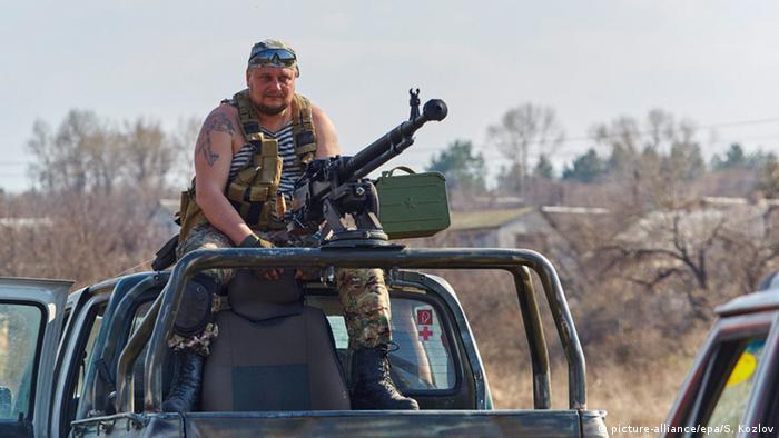Український солдат на Донбасі (фото з архіву)