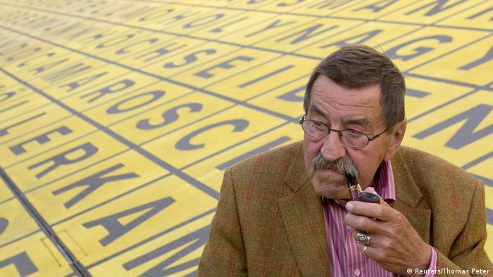 Günter Grass mit Pfeife 2009